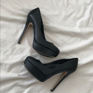 "Black platform pumps 5.5"" heel"